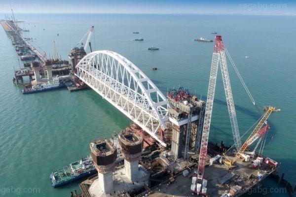 В Украине жестко отреагировали на незаконное строительство Керченского моста