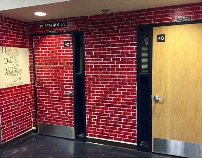 """В США учитель превратил школьный класс в """"Хогвартс"""""""