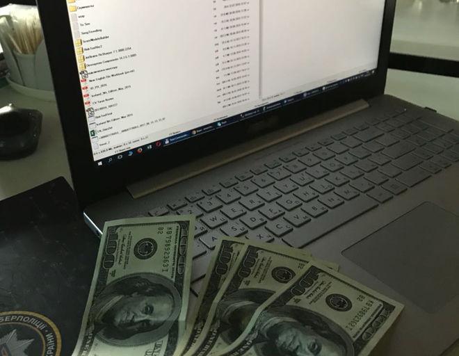 Базу данных клиентов финансовой компании продавали в интернете