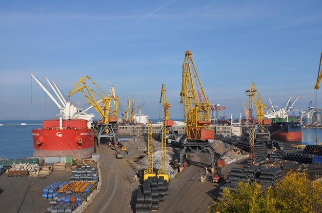 Морские порты Украины увеличили грузоперевалку