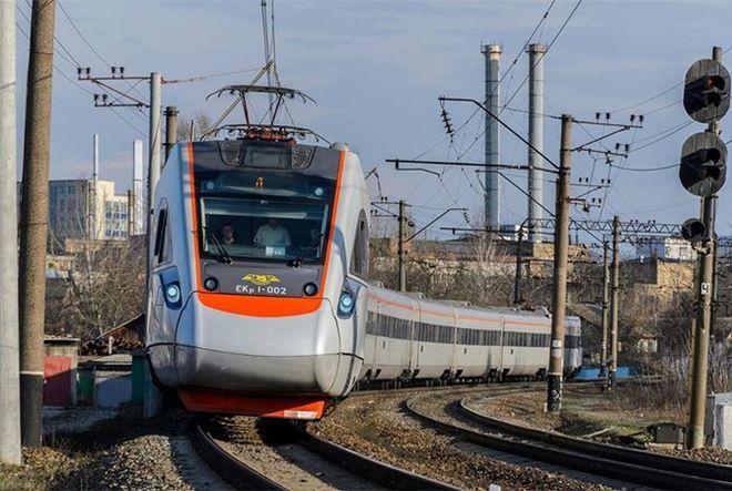 В апреле подорожают железнодорожные билеты