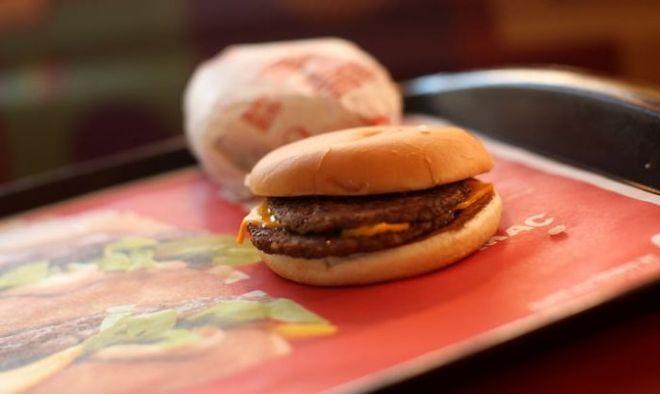 McDonald's решил убрать чизбургеры изHappy Meal
