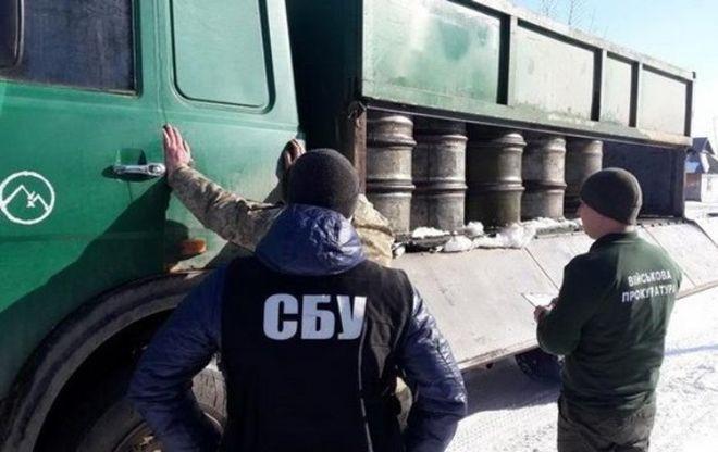 В Житомирской области офицеры воровали топливо из части