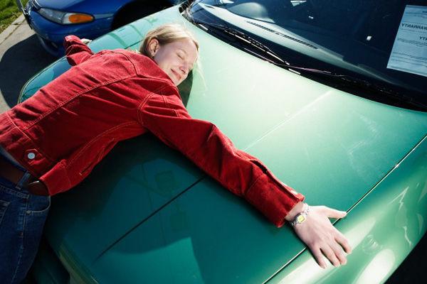 Украинцы массово кинулись регистрировать подержанные автомобили