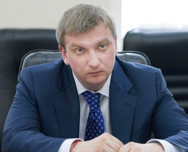 Петренко: в течение 10 дней за границу не выпустили 25 тысяч неплательщиков алиментов