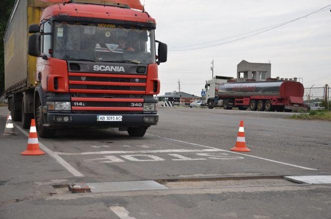Автоматическое взвешивание грузовиков на ходу в Киевской области ...