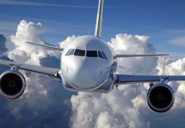 В Киргизии совершил экстренную посадку самолет с разорвавшимся двигателем
