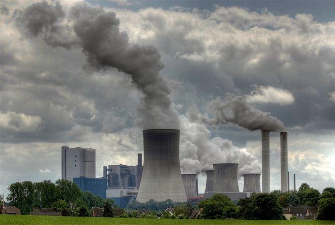 Какой сектор промышленности больше всего загрязняет воздух в Украине