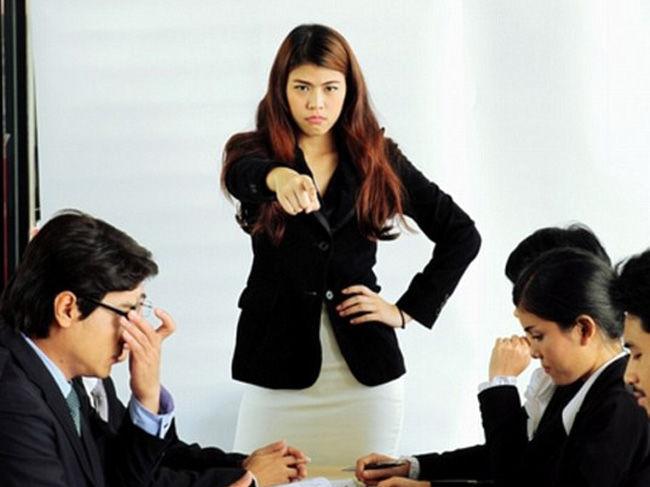 Какие женщины-руководители не пользуются авторитетом у подчиненных, - исследование