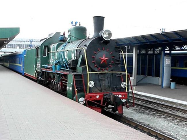 В Киеве 8 марта запустят ретро-поезд во главе с настоящим паровозиком
