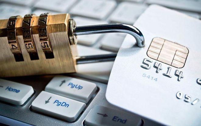 Личные банковские счета должников будут блокировать автоматически
