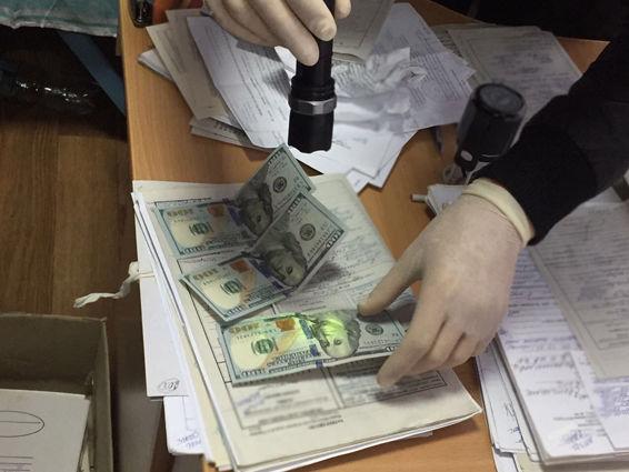 Активы банка «Аксиома» выводили посредством дешевых кредитов под залог «мусорных» бумаг