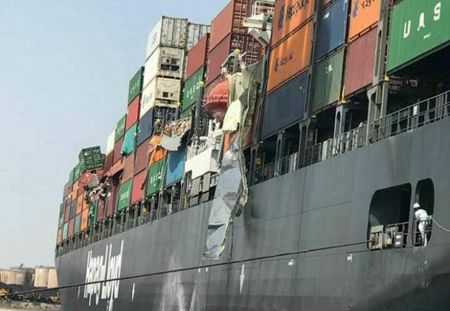 """Столкновение гигантов: в Пакистане два больших контейнеровоза """"не поделили море"""""""