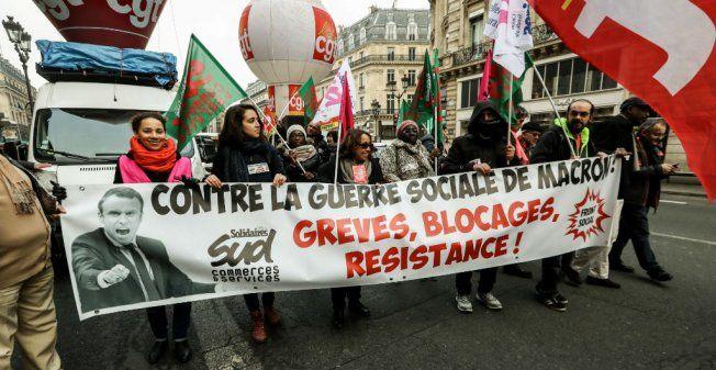Франция бастует, а Макрон меняет трудовое законодательство