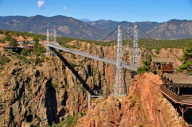Названы 5 самых опасных мостов в мире