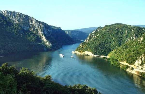 В Румынию через Дунай на пароме