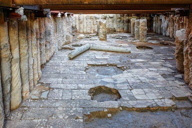 В Греции нашли древний подземный город