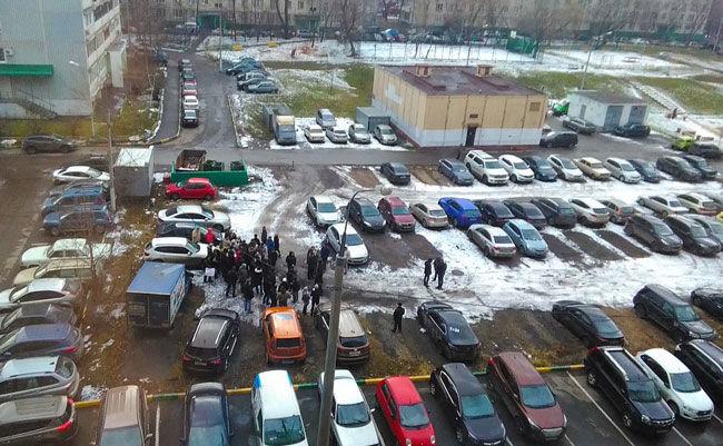 Минрегион запретит автомобильные парковки во дворах