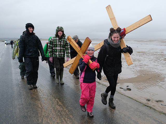 Британцы преодолели крестный путь Иисуса