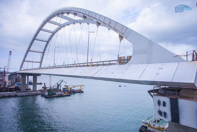 В Сети показали новые фото строительства Керченского моста