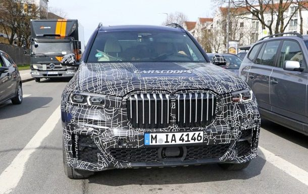 В Сети показали фото салона нового BMW X7