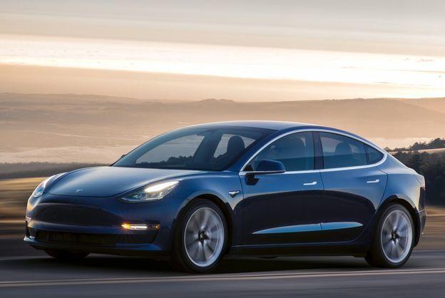 Летом появится полноприводная Tesla Model 3, - Илон Маск
