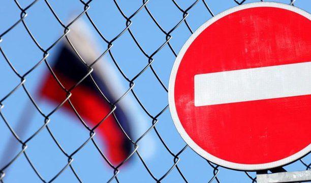 Усилить эффект от санкций в РФ можно, если весь мир введет их одновременно - Порошенко