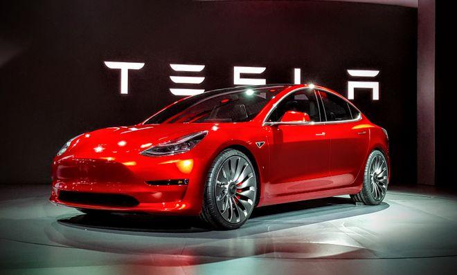 Tesla повторно приостановила выпуск Model 3