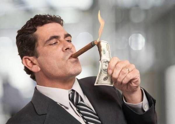 Стало известно, сколько украинцев считают себя миллионерами