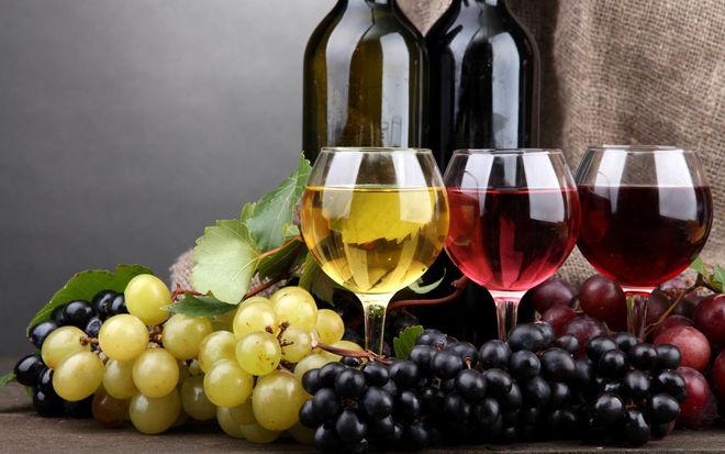 Порошенко одобрил упрощение лицензирования для малых виноделов