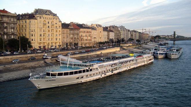 Украинские теплоходы летом выполнят 100 круизов для иностранных туристов