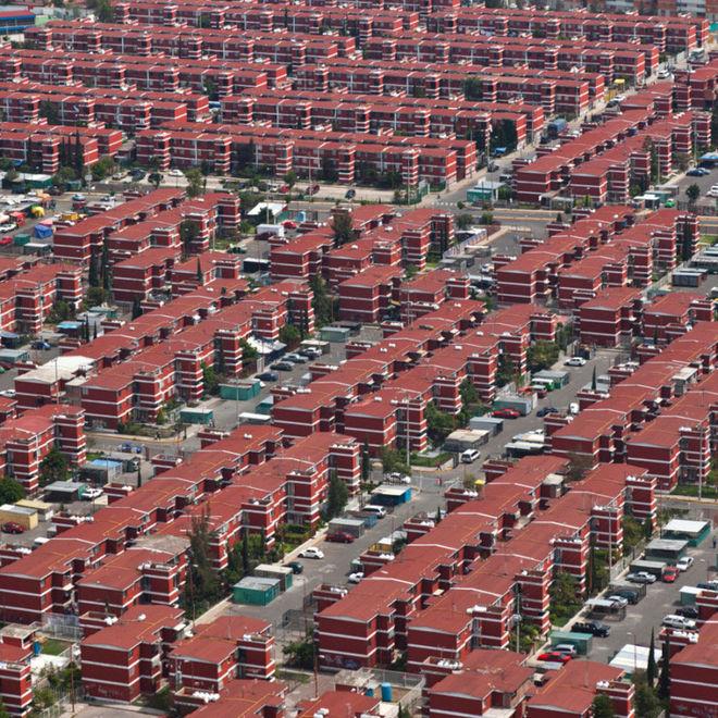 Мексика потратила $100 млрд на строительство домов-близнецов