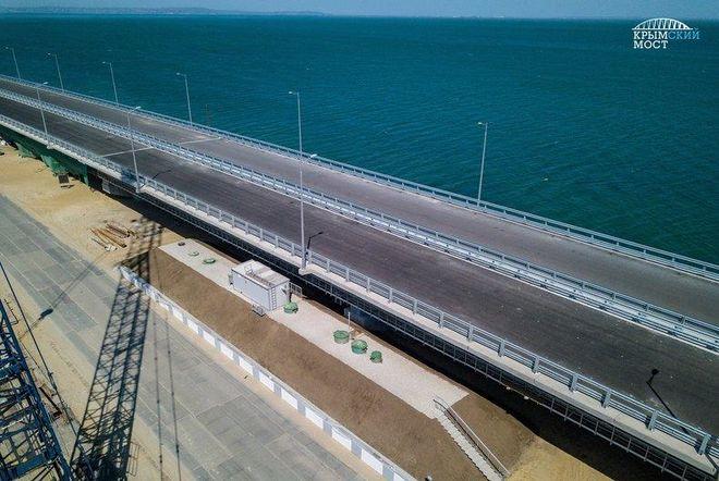 Опубликованы новые фото и видео Крымского моста
