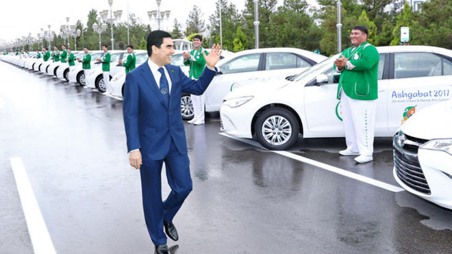 В Туркменистане запретили автомобили почти всех цветов