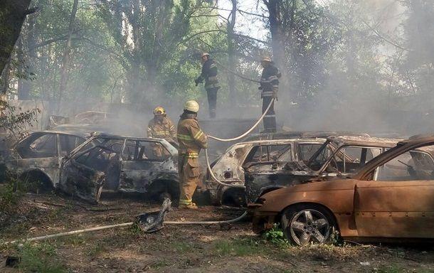 В Киеве на штрафплощадке сгорело 54 автомобиля
