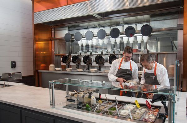 В США открыли роботизированный ресторан