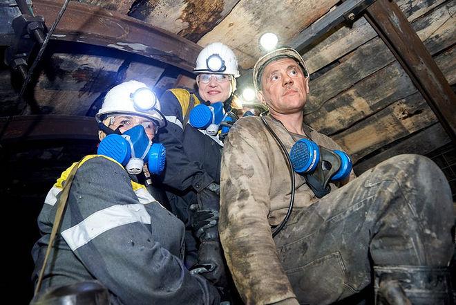 Украинским женщинам хотят разрешить работать в шахте и таскать тяжести