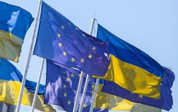 Порошенко: Безвизом воспользовались полмиллиона украинцев