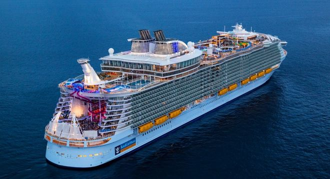 «Симфония морей»: французы построили для американцев крупнейший в мире круизный лайнер