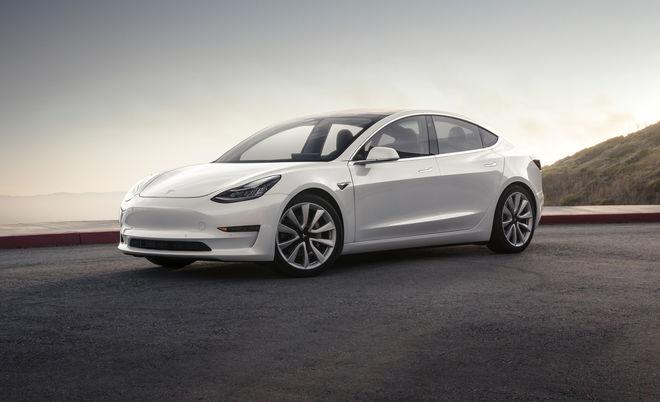 Илон Маск рассказал о Tesla с двумя моторами