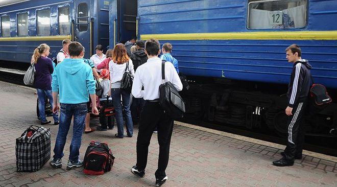 Более 100 тысяч украинцев сменили место жительства: куда они переехали