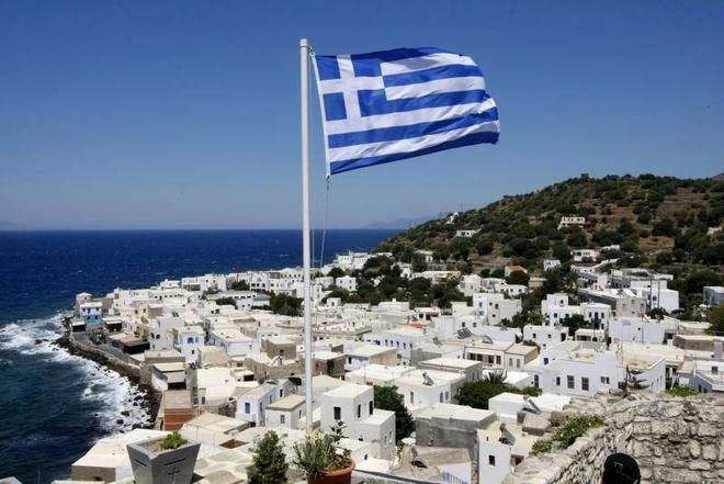 Греция смягчает контроль за движением капитала
