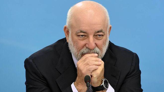 Швейцарские банки заблокировали счета российского олигарха