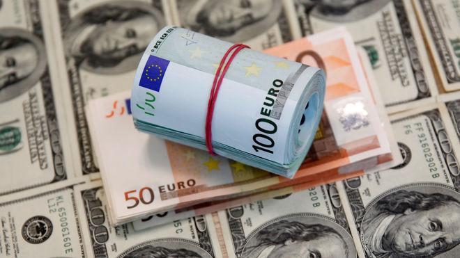 Страховым компаниям могут разрешить работать с валютой
