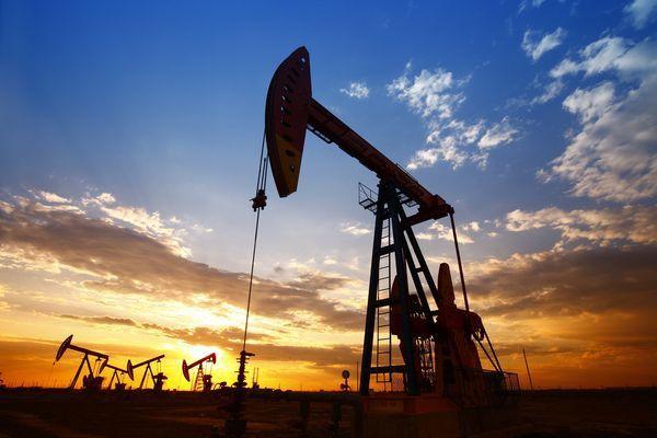Цены на нефть рухнули до апрельских минимумов