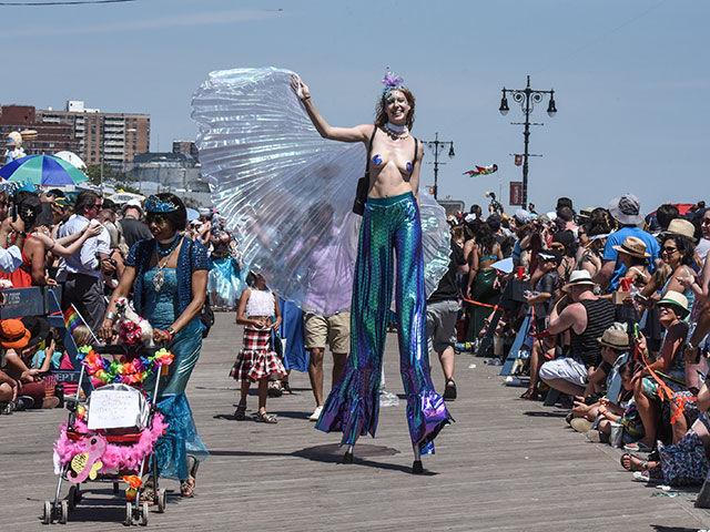 В Нью-Йорке прошел юбилейный карнавал русалок