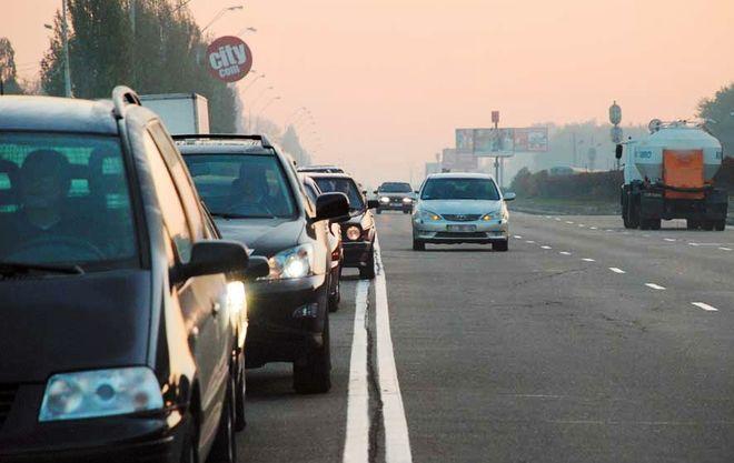 Придется потолкаться: в Украине перекроят полосы движения на дорогах