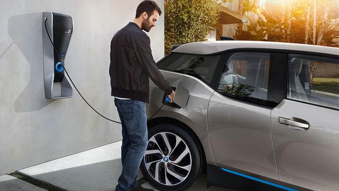 В Украине хотят оборудовать электрозарядками все АЗС, парковки и гаражи