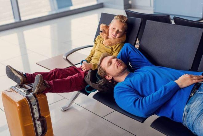 Ни туда, ни сюда: украинские туристы блокируют международные аэропорты