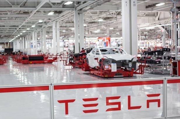 Tesla планирует выпускать электромобили в Китае